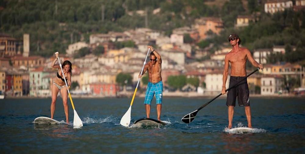Stand up paddling auf dem Gardasee